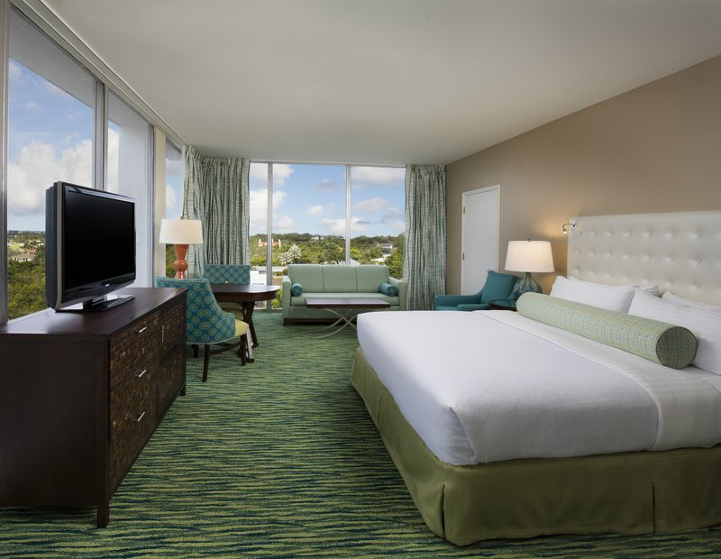 Lido Beach Holiday Inn-King City View Suite<br/>Image from Leonardo