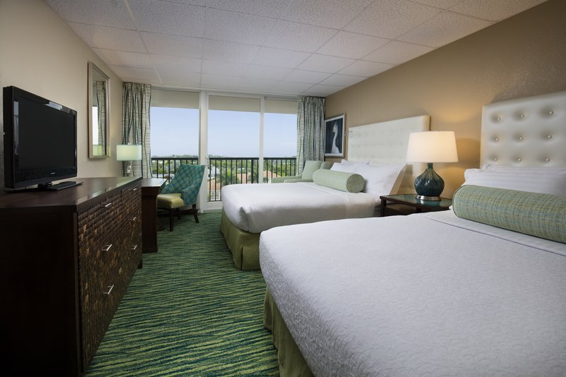 Lido Beach Holiday Inn-Queen Bed Bay View<br/>Image from Leonardo