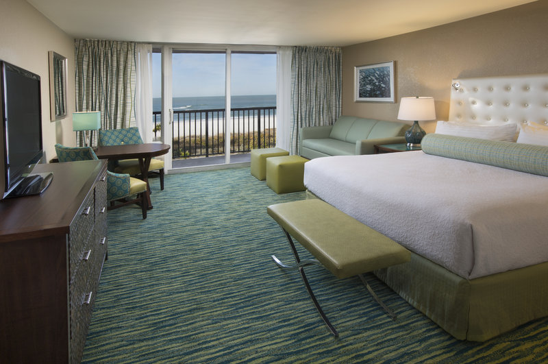 Lido Beach Holiday Inn-Deluxe King Gulf View<br/>Image from Leonardo