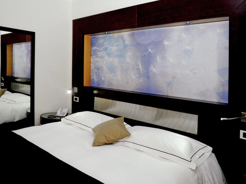 Mercure Olbia-Guest Room<br/>Image from Leonardo