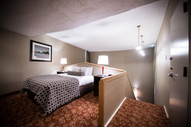 Crowne Plaza Philadelphia-Cherry Hill-One queen bed upper level of the Bi Level Suite<br/>Image from Leonardo