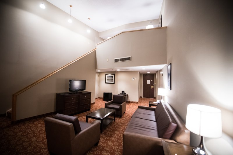 Crowne Plaza Philadelphia-Cherry Hill-Lower level living area of the Bi Level Suite<br/>Image from Leonardo