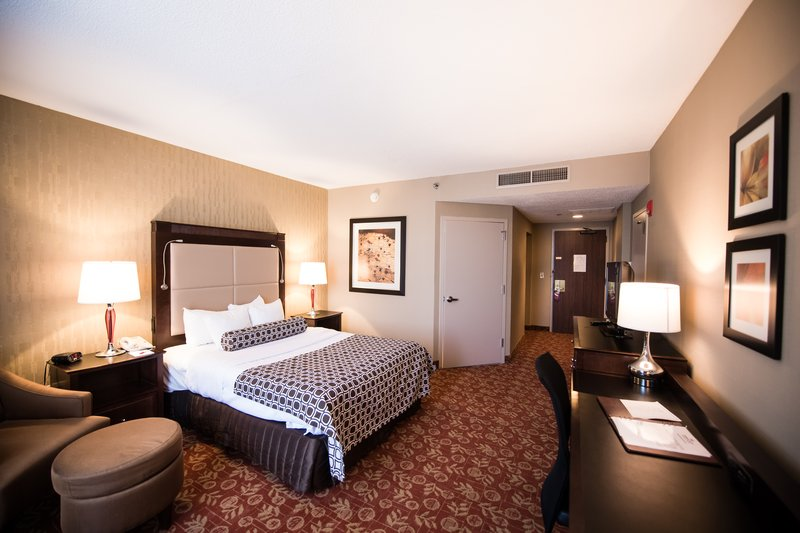 Crowne Plaza Philadelphia-Cherry Hill-One queen bed accessible non smoking<br/>Image from Leonardo