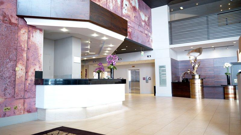 Crowne Plaza Glasgow-Hotel Lobby<br/>Image from Leonardo