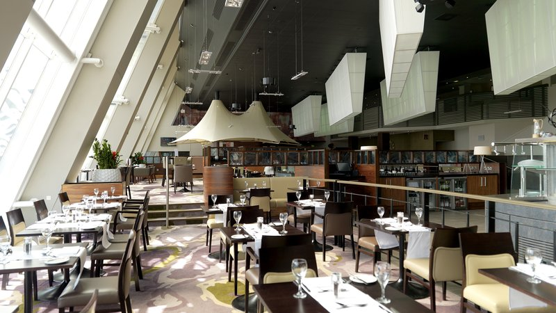 Crowne Plaza Glasgow-Hotel Restaurant<br/>Image from Leonardo