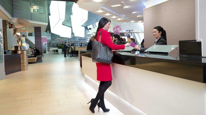 Crowne Plaza Glasgow-Reception Area<br/>Image from Leonardo
