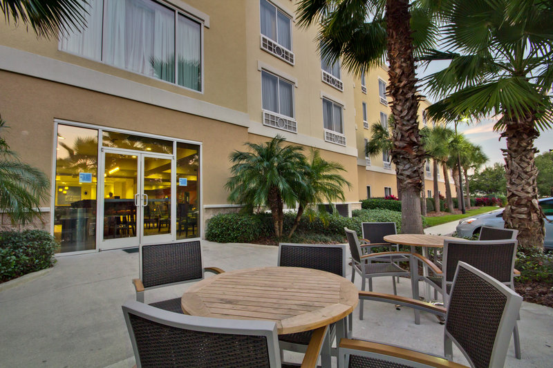Holiday Inn Express & Suites Tampa-I-75 @ Bruce B. Downs-Great Room Patio<br/>Image from Leonardo
