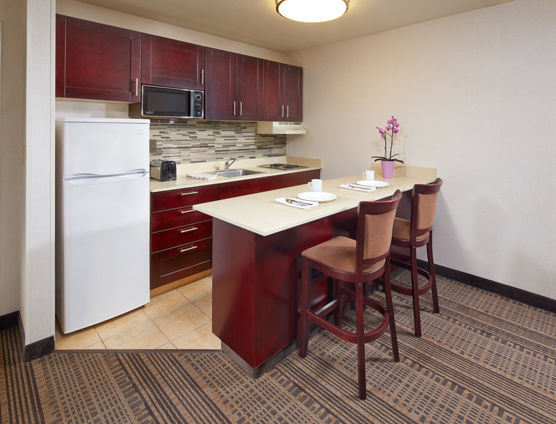 Holiday Inn Hotel & Suites Santa Maria-Full Kitchenette in selected rooms<br/>Image from Leonardo