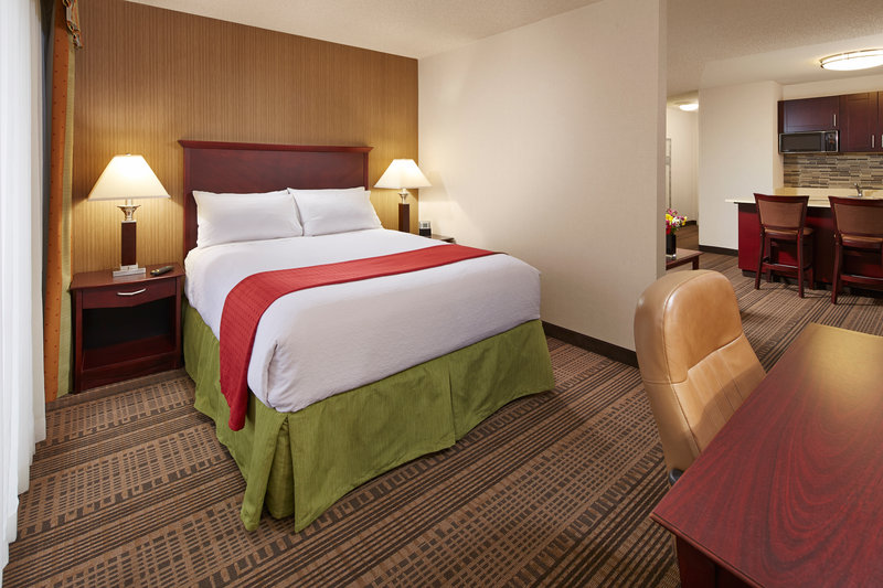 Holiday Inn Hotel & Suites Santa Maria-Queen bed with sleeper sofa and kitchenette<br/>Image from Leonardo