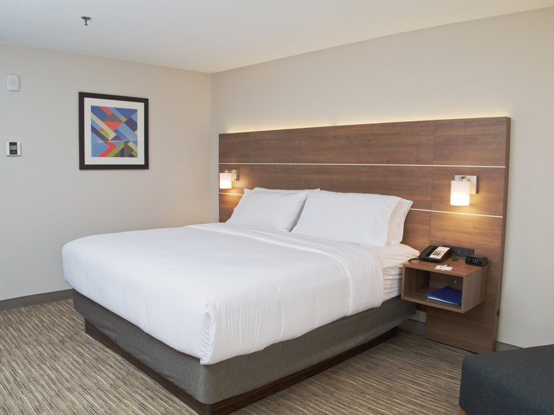 Holiday Inn Express South Burlington-Guest Room<br/>Image from Leonardo