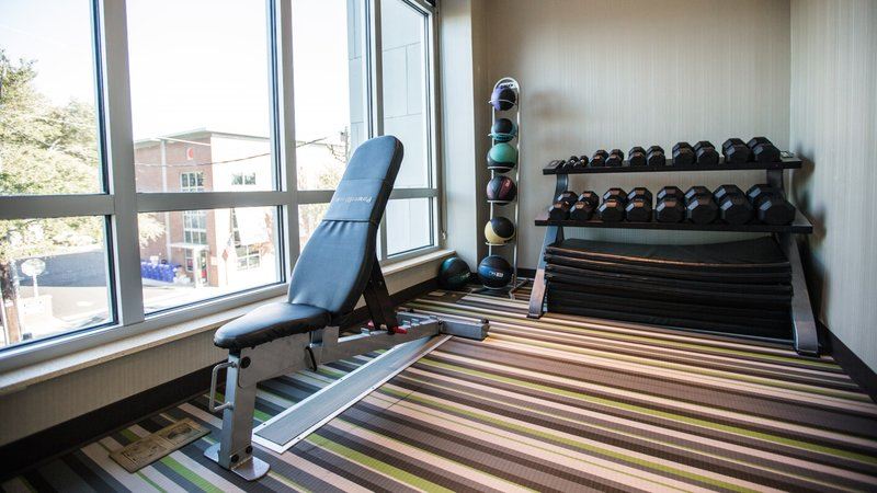 Holiday Inn Charleston Historic Downtown-You will find free weights in our top notch fitness center<br/>Image from Leonardo