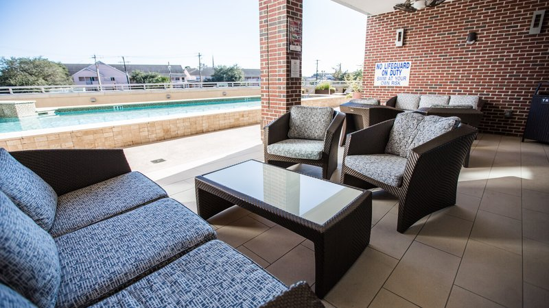 Holiday Inn Charleston Historic Downtown-Plenty of Outdoor Seating by our Outdoor Heated Pool<br/>Image from Leonardo