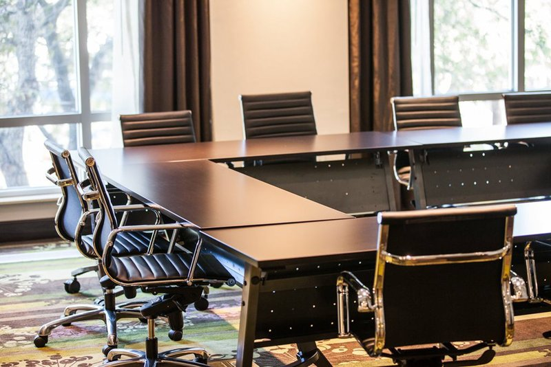 Holiday Inn Charleston Historic Downtown-Meeting Rooms are filled with natural lighting set to your needs.<br/>Image from Leonardo