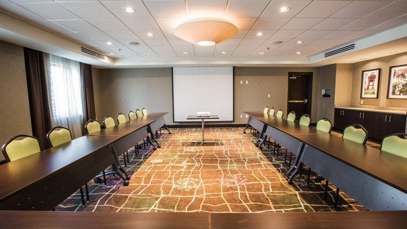 Holiday Inn Charleston Historic Downtown-U-Shape in our Cooper Room with built-in projection screen<br/>Image from Leonardo