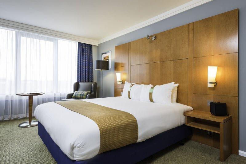 Holiday Inn Milton Keynes - Central-Executive Double Guest Room<br/>Image from Leonardo