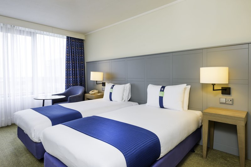 Holiday Inn Milton Keynes - Central-Standard Twin Guest Room<br/>Image from Leonardo