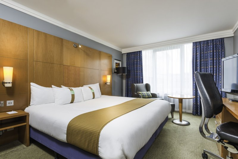 Holiday Inn Milton Keynes - Central-Executive King Guest Room<br/>Image from Leonardo
