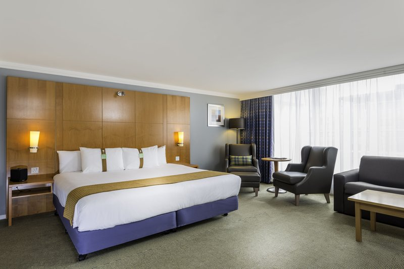 Holiday Inn Milton Keynes - Central-Executive King Guest Room with Sofa Bed<br/>Image from Leonardo