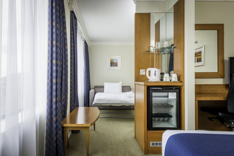 Holiday Inn Milton Keynes - Central-Standard Guest Room with Sofa Bed<br/>Image from Leonardo