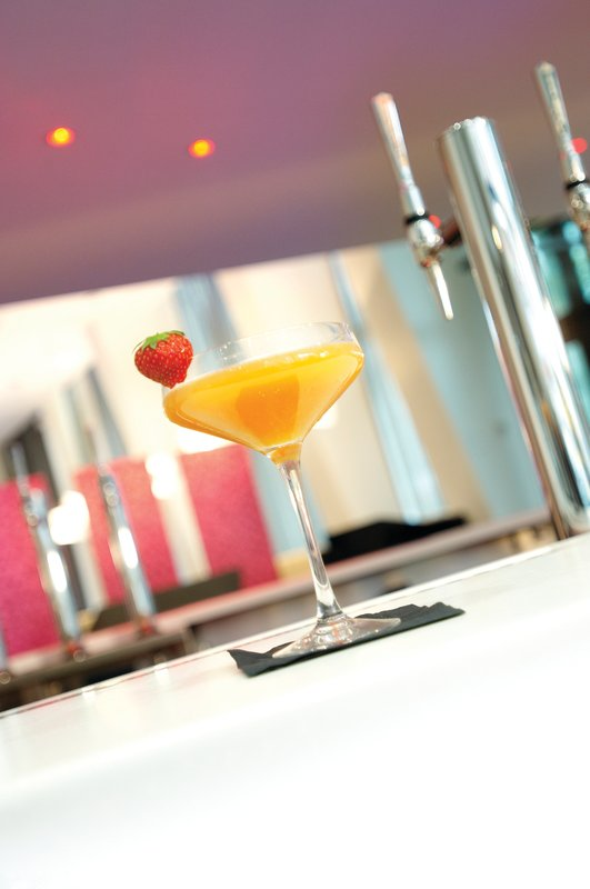 Crowne Plaza Manchester City Centre-Indulge in a delicious cocktail in the Glasshouse Bar<br/>Image from Leonardo