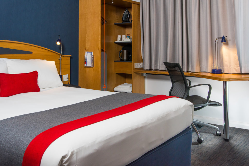 Holiday Inn Express East Midlands Airport-Free Wi-Fi and a work desk with lamp are handy in-room amenities<br/>Image from Leonardo