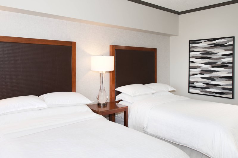 Sheraton Anchorage Hotel & Spa-Double/Double Guest Room<br/>Image from Leonardo