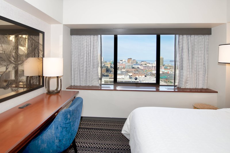 Sheraton Anchorage Hotel & Spa-Double Guest Room<br/>Image from Leonardo