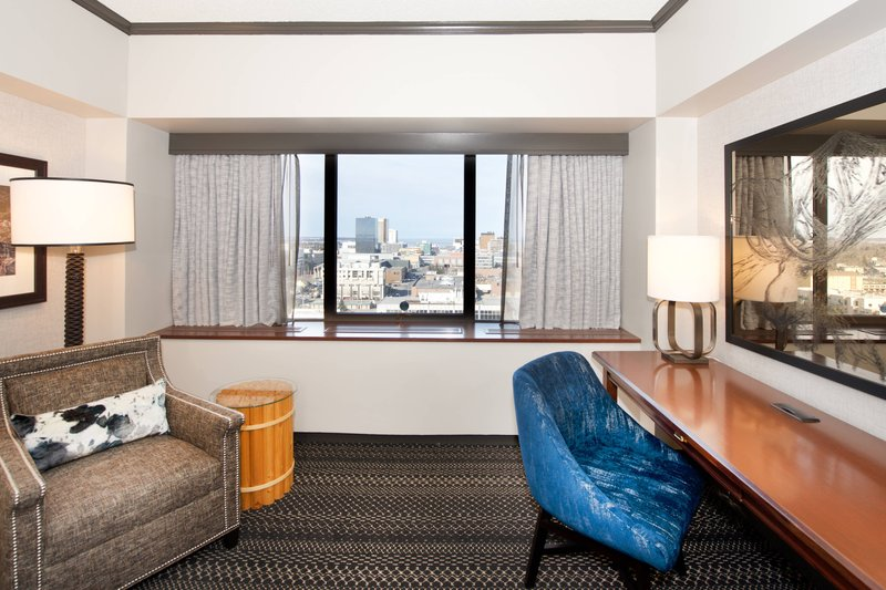 Sheraton Anchorage Hotel & Spa-Guest Room - Seating Area<br/>Image from Leonardo