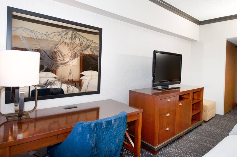 Sheraton Anchorage Hotel & Spa-Guest Room - Work Desk<br/>Image from Leonardo