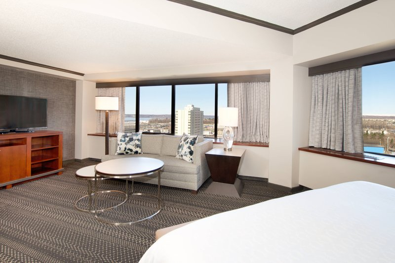 Sheraton Anchorage Hotel & Spa-King Suite<br/>Image from Leonardo