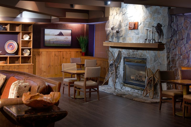 Sheraton Anchorage Hotel & Spa-Lounge Fireplace<br/>Image from Leonardo