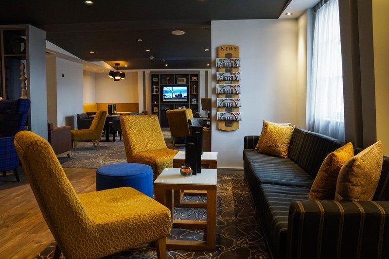 Holiday Inn Ellesmere Port/ Cheshire Oaks-Lock Bar Lounge<br/>Image from Leonardo
