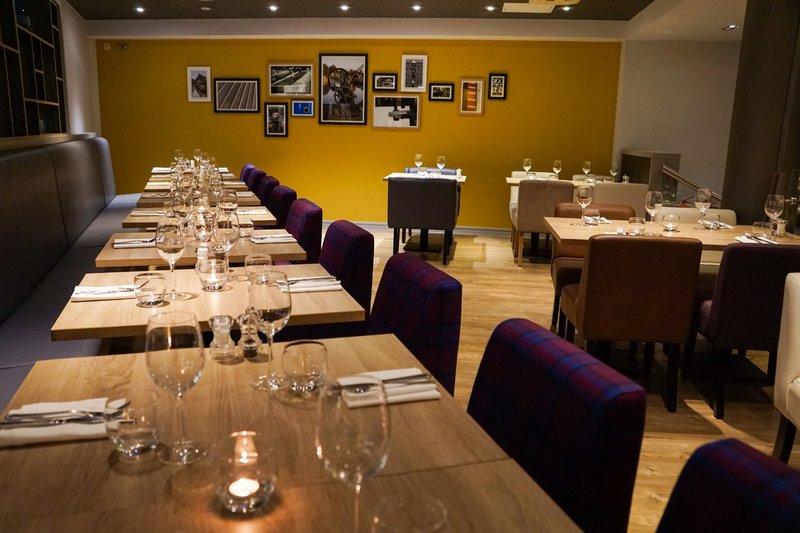 Holiday Inn Ellesmere Port/ Cheshire Oaks-Restaurant<br/>Image from Leonardo