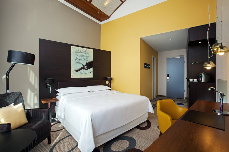 Sheraton Hannover Pelikan Hotel-Executive Room<br/>Image from Leonardo