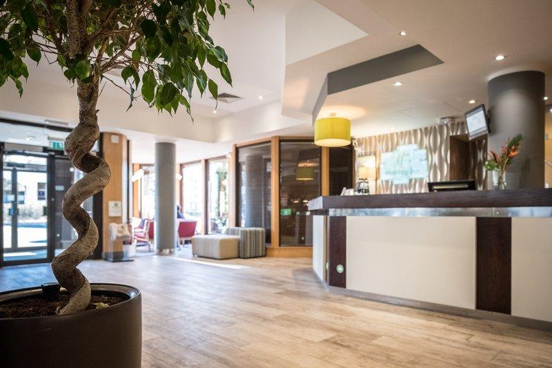 Holiday Inn Hemel Hempstead M1, Jct. 8-Open Lobby<br/>Image from Leonardo