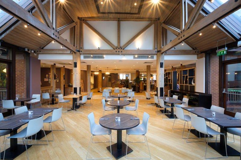 Holiday Inn Hemel Hempstead M1, Jct. 8-Restaurant Dining<br/>Image from Leonardo