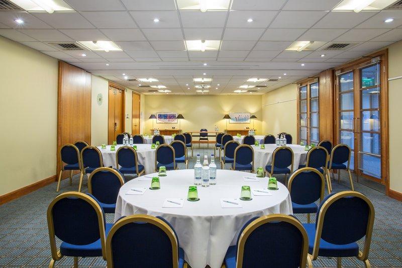 Holiday Inn Cambridge-Academy Kings Meeting Room<br/>Image from Leonardo