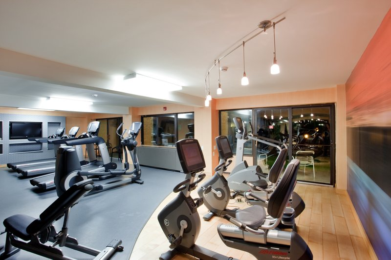 Holiday Inn Virginia Beach - Norfolk-Exercise and stay in shape in our well-equipped fitness room! <br/>Image from Leonardo