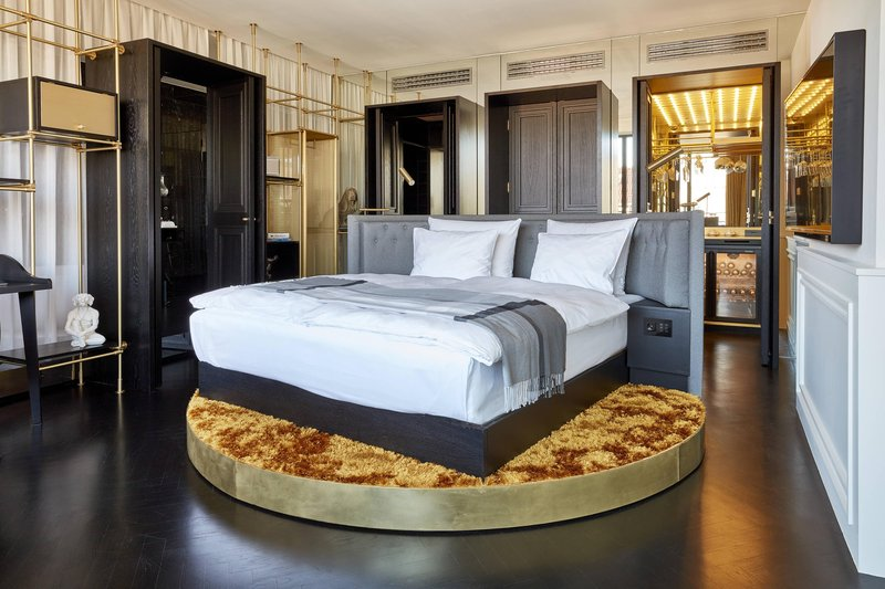 Autograph Collection Roomers Munich-Deluxe Suite<br/>Image from Leonardo