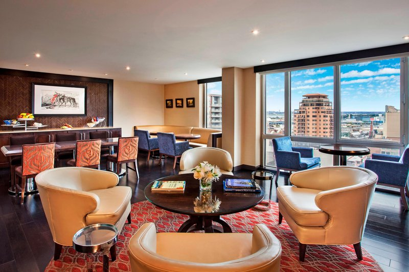 Sheraton LaGuardia East Hotel-Club Lounge<br/>Image from Leonardo
