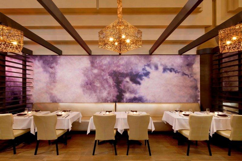 Sheraton LaGuardia East Hotel-The Sheraton Restaurant<br/>Image from Leonardo