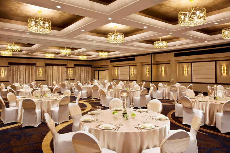 Sheraton LaGuardia East Hotel-Phoenix Ballroom - Wedding Reception<br/>Image from Leonardo