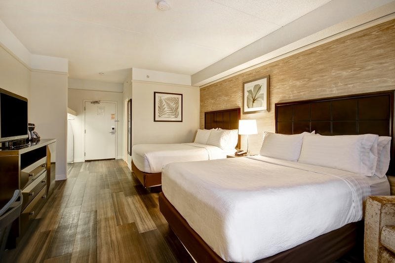 Holiday Inn Hotel & Suites Windsor (Ambassador Bridge)-Guest Room<br/>Image from Leonardo