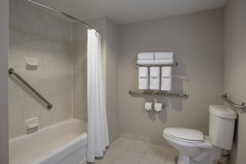 Delta Hotels by Marriott St John's Conference Centre-Guest Bathroom<br/>Image from Leonardo