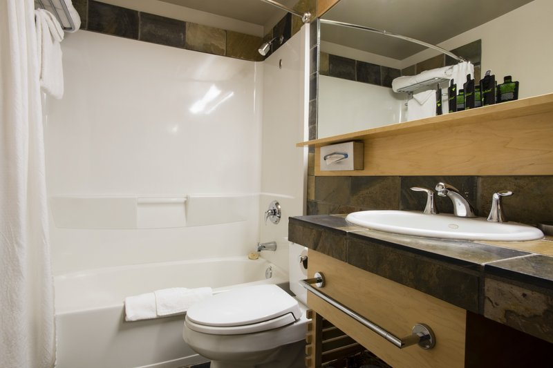 Juniper Hotel & Bistro-Deluxe Bathroom<br/>Image from Leonardo