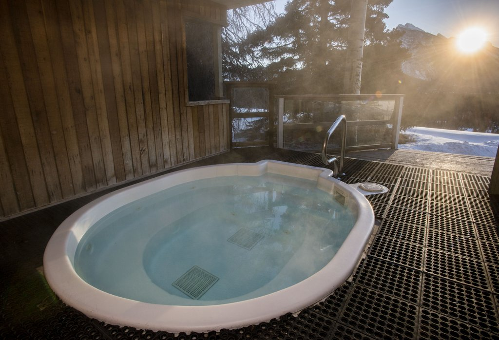 Juniper Hotel & Bistro-Hot Tub<br/>Image from Leonardo