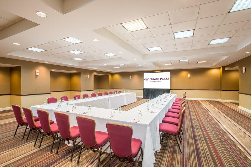 Crowne Plaza Danbury-Sapphire Meeting Room<br/>Image from Leonardo