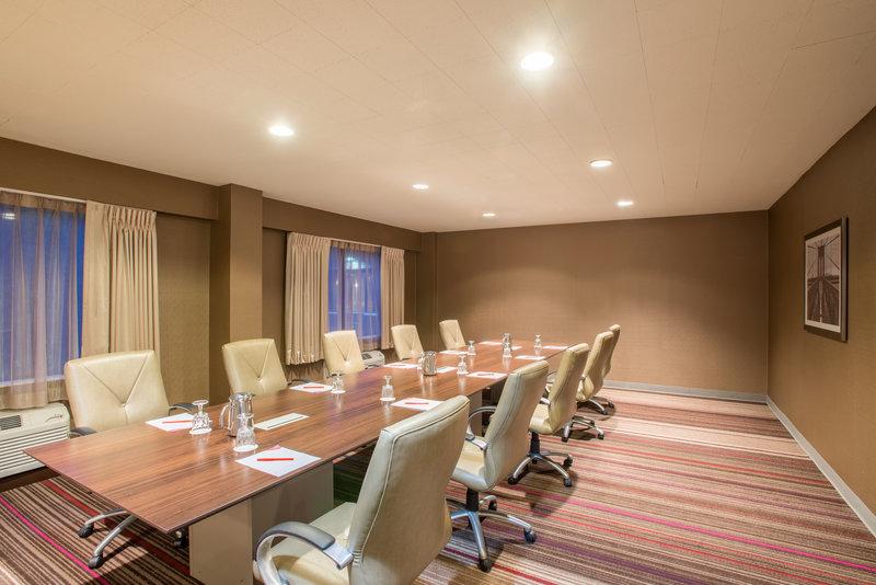Crowne Plaza Danbury-Opal Meeting Room<br/>Image from Leonardo