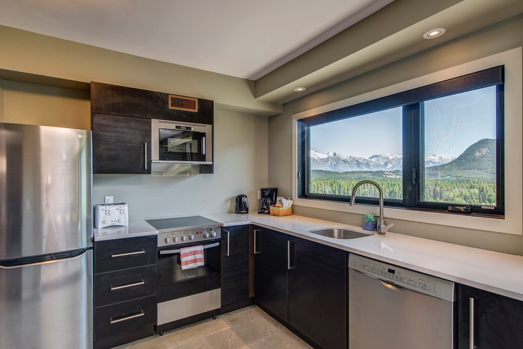 Juniper Hotel & Bistro-3 Bedroom Suite Kitchen<br/>Image from Leonardo