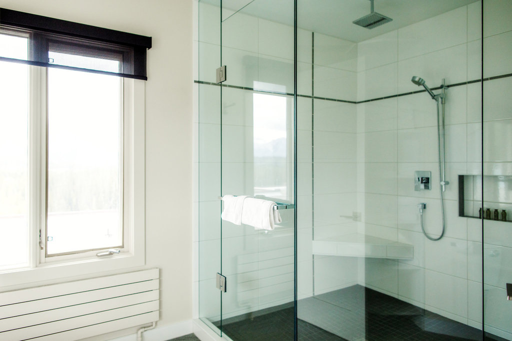 Juniper Hotel & Bistro-3 Bedroom Suite Bathroom<br/>Image from Leonardo